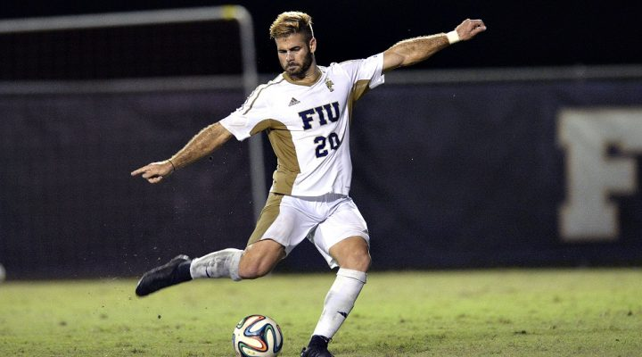 2014 October 08 - FIU's Roberto Alterio (20). Florida International University fell to South Carolina, 4-5, at FIU Soccer pitch, Miami, Florida. (Photo by: Alex J. Hernandez / photobokeh.com) This image is copyright by PhotoBokeh.com and may not be reproduced or retransmitted without express written consent of PhotoBokeh.com. ©2014 PhotoBokeh.com - All Rights Reserved